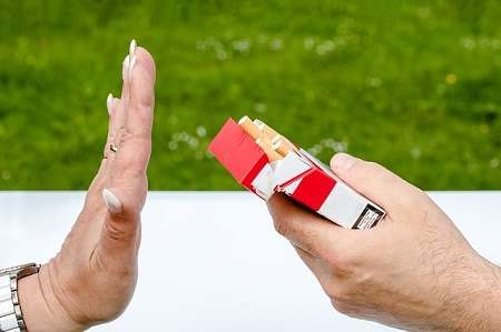 Smettere di fumare: come evitare gli effetti negativi