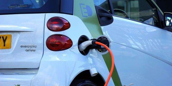 Auto elettriche, il futuro che non arriva