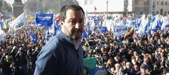 Citazioni, musiche e orizzonti della piazza di Salvini, che guarda già oltre la Lega