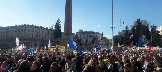 La Lega celebra in piazza a Roma il sorpasso sulM5s