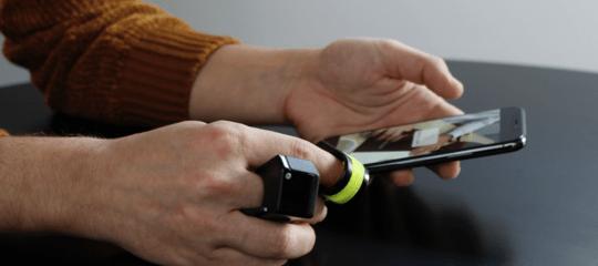 L'anello che consente di provare sensazioni a distanza nato nell'Università di Siena