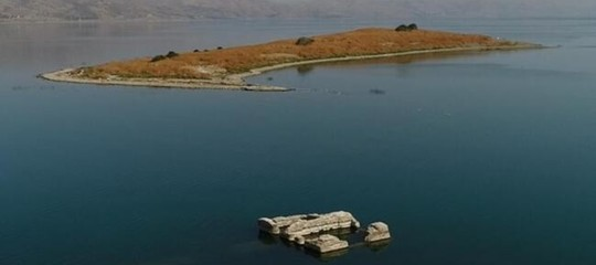 riemerge citta sommersa lago turchia