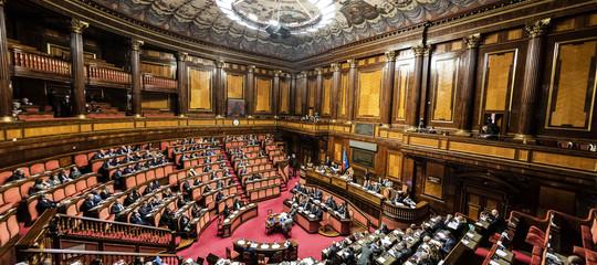 Il senato approva la fiducia sulla manovra